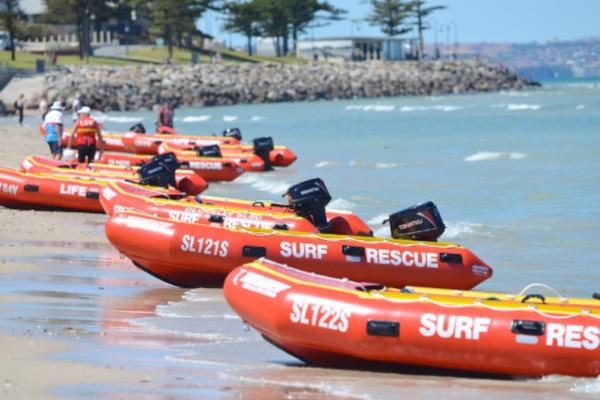 救助用ボートの整備とCRUNCH